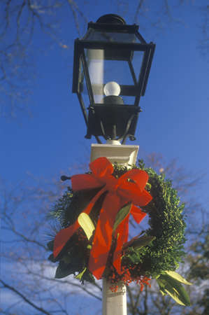 Christmas Wreath Hung on Lamppost, Annapolis, Maryland Stock Photo - 20513814