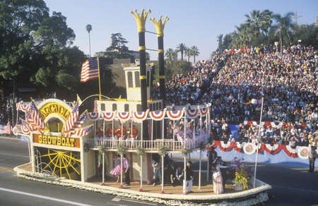 rose bowl parade: Arcadia Showboat Float in Rose Bowl Parade, Pasadena, California Editorial