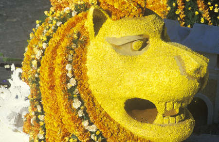 rose bowl parade: Lion Float in Rose Bowl Parade, Pasadena, California