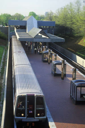 montgomery: Rush hour on the Metro Line - A subway train leaves the Grosvenor Station in Rockville, Maryland Editorial