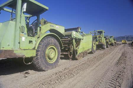 maquinaria pesada: Maquinaria pesada en movimiento de la tierra en Ventura, California
