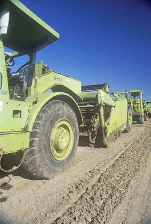 land use: Heavy macchine movimento terra a Ventura, in California Editoriali