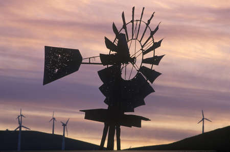 altamont pass: Windmill and wind turbines at sunset on Route 580 in Livermore, CA Editorial