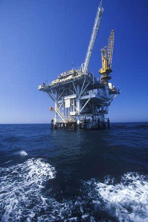 oil platform: Oil platform between Ventura and Channel Islands, CA Editorial