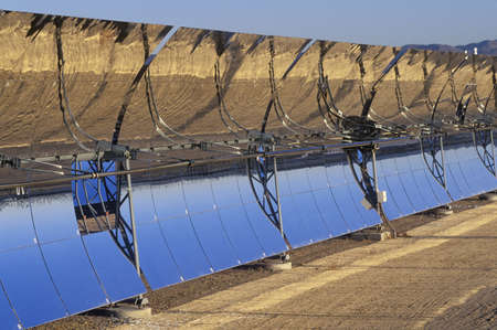 barstow: Solar Two panels at South California Edison Plant in Barstow, CA