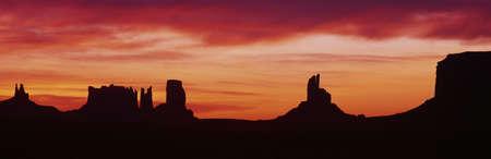 mesas: Sunrise, Monument Valley, Arizona