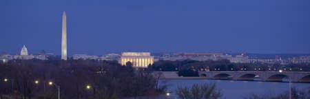 dc: Vista di Washington DC al crepuscolo, Washington DC Editoriali