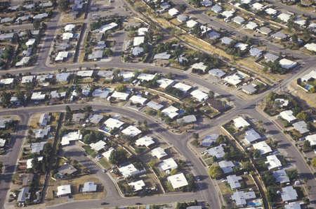 land use: Veduta aerea di case di periferia del deserto di Tucson, Arizona