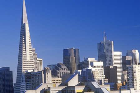 The Transamerica Building marks the San Francisco skyline, San Francisco, California Stock Photo - 20475567