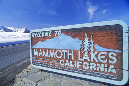 mammoth lakes: �Welcome to Mammoth Lakes California� sign along roadway, Mammoth, California Editorial