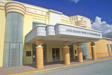 artdeco: Jackie Gleason Theater of the Performing Arts en el distrito Art Deco de South Beach, Miami Beach, Florida