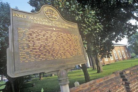 augusta: Iglesia de St. Paul, una vez rodeado por la actividad de Fort Augusta, Augusta, Georgia