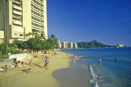 waikiki beach: Waikiki Beach, Honolulu, Hawaii Editorial