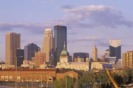 mn: Minneapolis, MN skyline