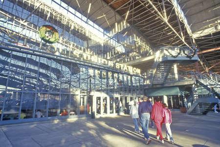 mimo: Interior de la Uni�n Station Shopping Center, St. Louis, MO Editorial
