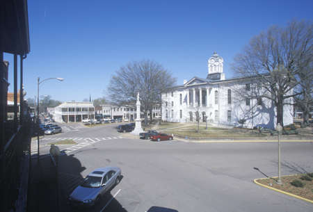 ms: Lafayette County Court House in center of historic old southern town and storefronts of Oxford, MS Editorial