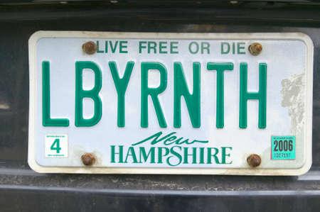 Een New Hampshire nummerplaat leest LBYRNTH