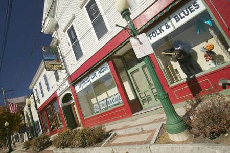 main street: Vetrine sulla via principale, New Hampshire, New England Editoriali