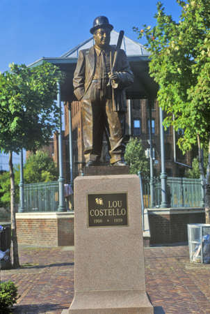 comedian: Statue of Lou Costello in Historic district of Patterson, NJ