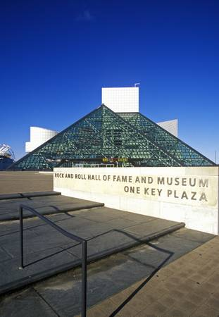 Rock and Roll Hall of Fame Museum, Cleveland, OH Stock Photo - 20512416