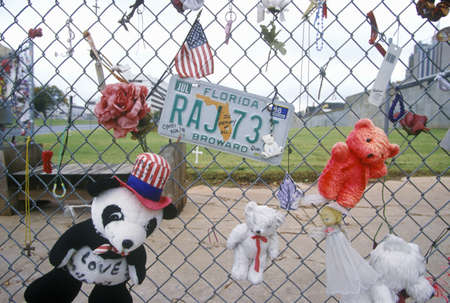 bombing: Shrine to the dead at the site of the bombing of the Alfred P. Murrah Federal Building, Oklahoma City, CA Editorial