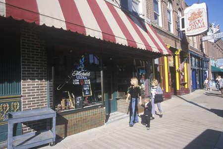 tn: Tourists walking down historic Beale Street, Memphis, TN