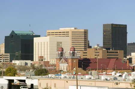 el: Panoramic view of skyline and downtown El Paso Texas, border town to Juarez, Mexico