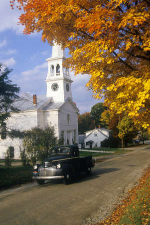 Church in Peacham, VT in Autumn