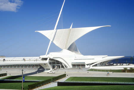 wisconsin state: Exterior of the Milwaukee Art Museum on Lake Michigan, Milwaukee, WI Editorial