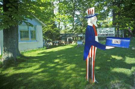 sam: Mailbox with Uncle Sam cutout, MI