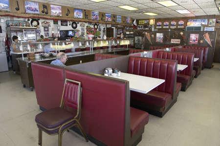 Beroemde diner, Hokes Caf op oude Lincoln Highway, US 30, Ogallala, Nebraska
