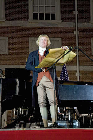Thomas Jefferson reads Declaration of Independence in front of Independence Hall, Philadelphia, PA on July 3, 2008 Stock Photo - 20512276