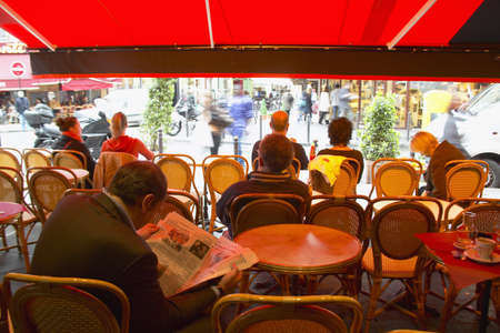 Outdoor Seating under awning at cafŽ, Paris, France Redactioneel