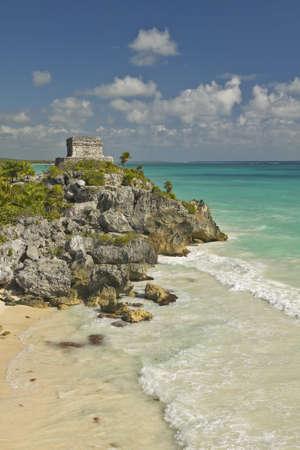 roo: Templo del Dios del Viento Mayan ruins of Ruinas de Tulum (Tulum Ruins) in Quintana Roo, Yucatan Peninsula, Mexico