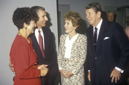 ronald reagan: President Ronald Reagan, Mrs. Reagan, California governor George Deukmejian and wife Editorial