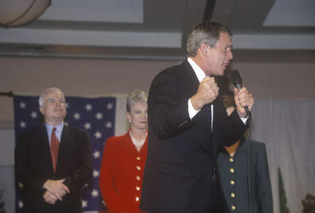 campaigning: George W. Bush speaking at campaign rally, Burbank, CA in 2000