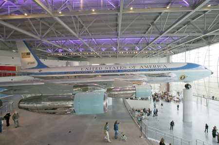 united states air force: Inside the Air Force One Pavilion at the Ronald Reagan Presidential Library and Museum, Simi Valley, CA