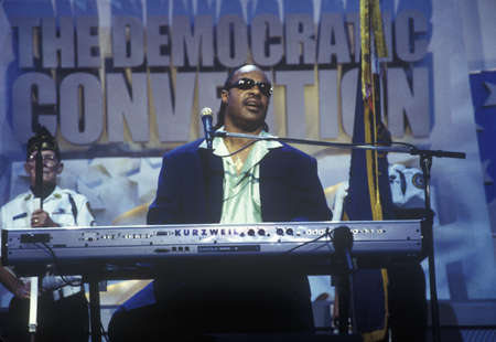 staples: Stevie Wonder performs following Al Gores nomination speech at the 2000 Democratic Convention at the Staples Center, Los Angeles, CA