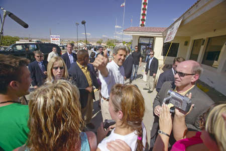 near death: Senator John Kerry on a campaign stop in Baker, California, near Death Valley in August of 2004 on the Believe in America coast to coast tour Editorial