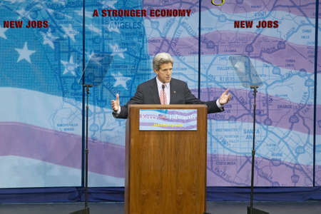 campaigning: Senator John Kerry at podium of major policy address on the economy, CSU- Dominguez Hills, Los Angeles, CA