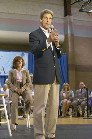addressing: Senator John Kerry, with wife Teresa, addressing audience of seniors at the Valley View Rec Center, Henderson, NV Editorial