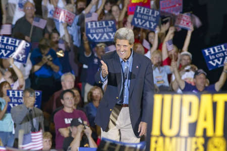 mack: Senator John Kerry greets audience of supporters at the Thomas Mack Center at UNLV,  Las Vegas, NV