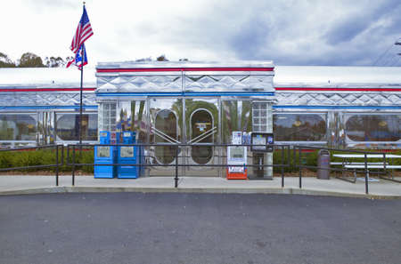 middle america: Vintage diner in a southern Ohio town Editorial