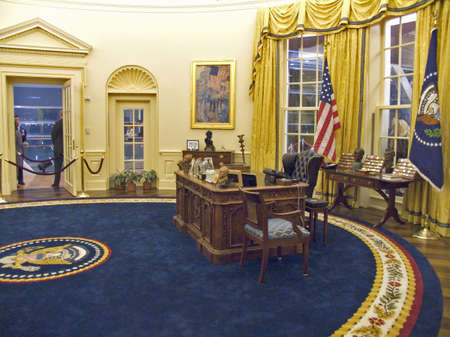 Designed by New York architect James Polshek, the William J. Clinton Presidential Library includes a replica of the Oval Office.