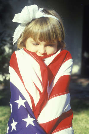 bandiera stati uniti: Bambina avvolta in bandiera americana, Stati Uniti