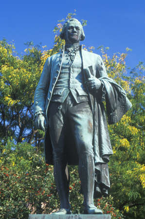 alexander hamilton: Statue of Alexander Hamilton overlooking the Great Falls in Paterson, New Jersey Editorial