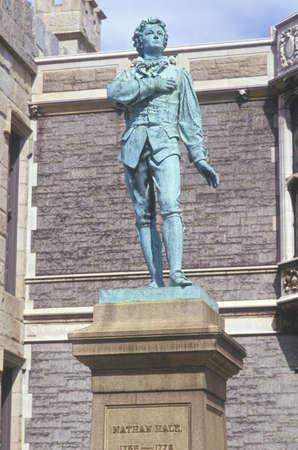 hale: Nathan Hale, Revolutionary War patriot statue