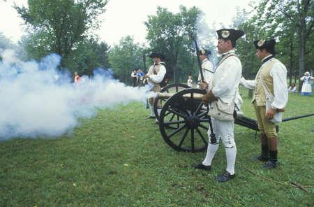 revolutionary war: Firing cannons during Historical Revolutionary war reenactment, Daniel Boone Homestead, Continental Army, artillery division