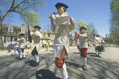 american revolution: American Revolution Historical Reenactment, drummer boys in Williamsburg, Virginia