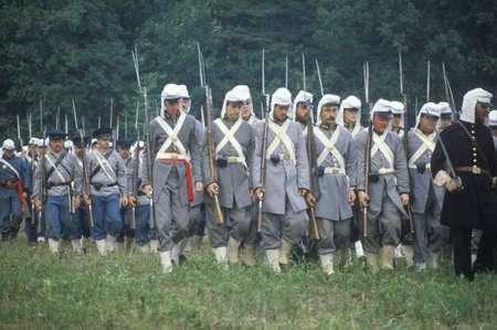 버지니아 남북 전쟁의 시작을 나타내는 Manassas 전투의 역사적 재연
